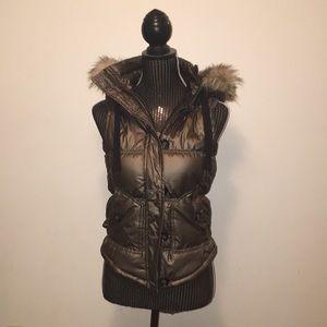 Gold vest with fur hood